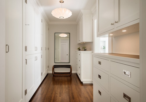 Light & Classic built-in - contemporary closet
