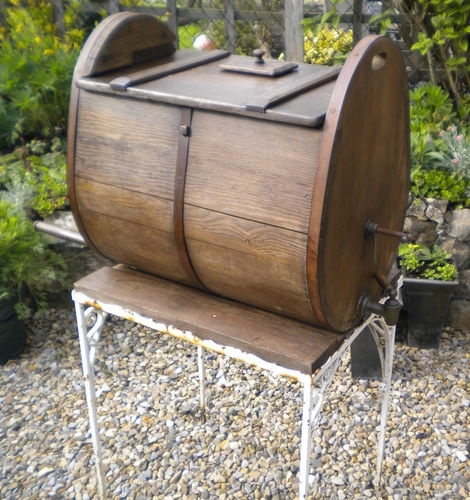 I dont kno what i'd use this edwardian barrell for, but I want it.