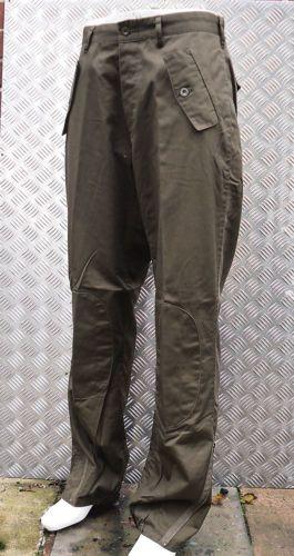 Gruen-Italienische-Armee-Stil-Hose-Mit-Geradem-Bein-Knieschuetzer