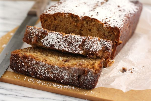 Caramel Toffee Banana Bread - hummingbird high || a desserts and baking blog