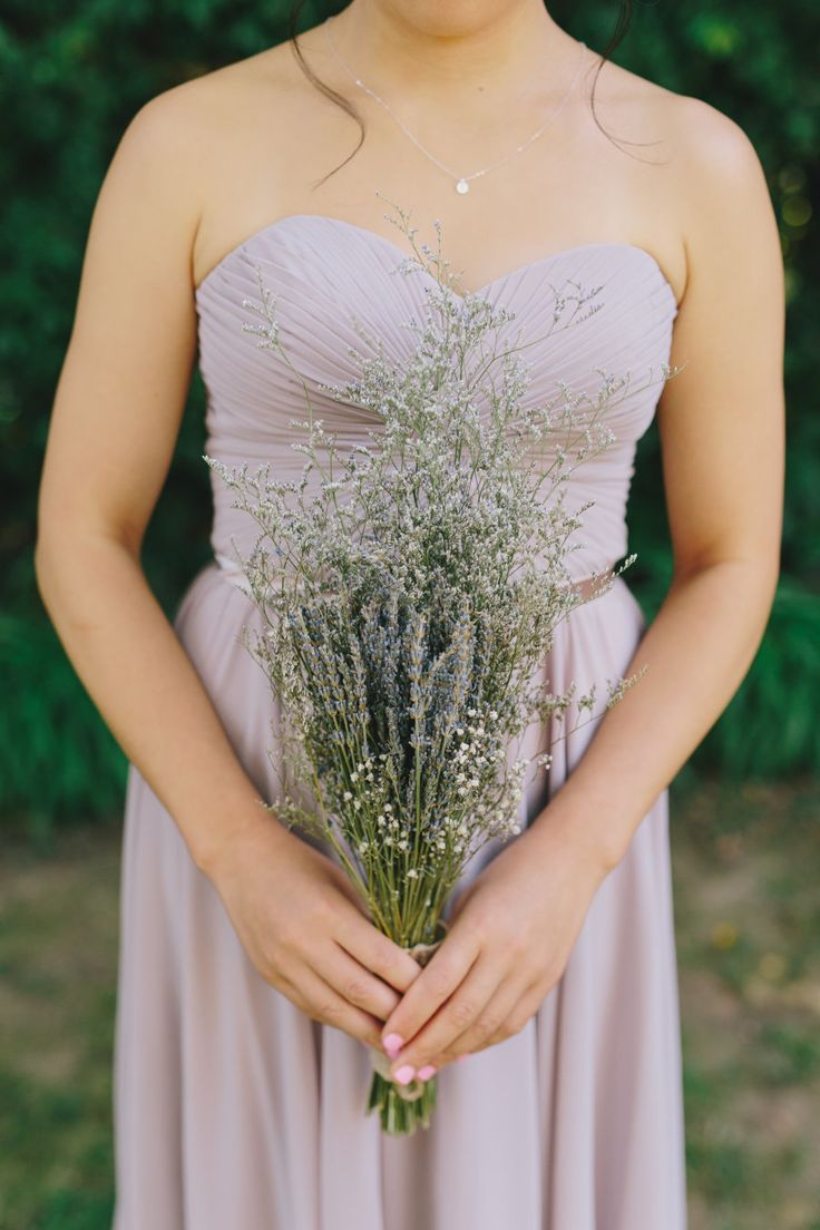 Lavender wedding bouquets: Photography: Jake and Necia Photography - www.jakeandnecia.com/   Read More on SMP: http://www.stylemepretty.com/california-weddings/2017/05/03/lavender-santa-barbara-zoo-wedding/