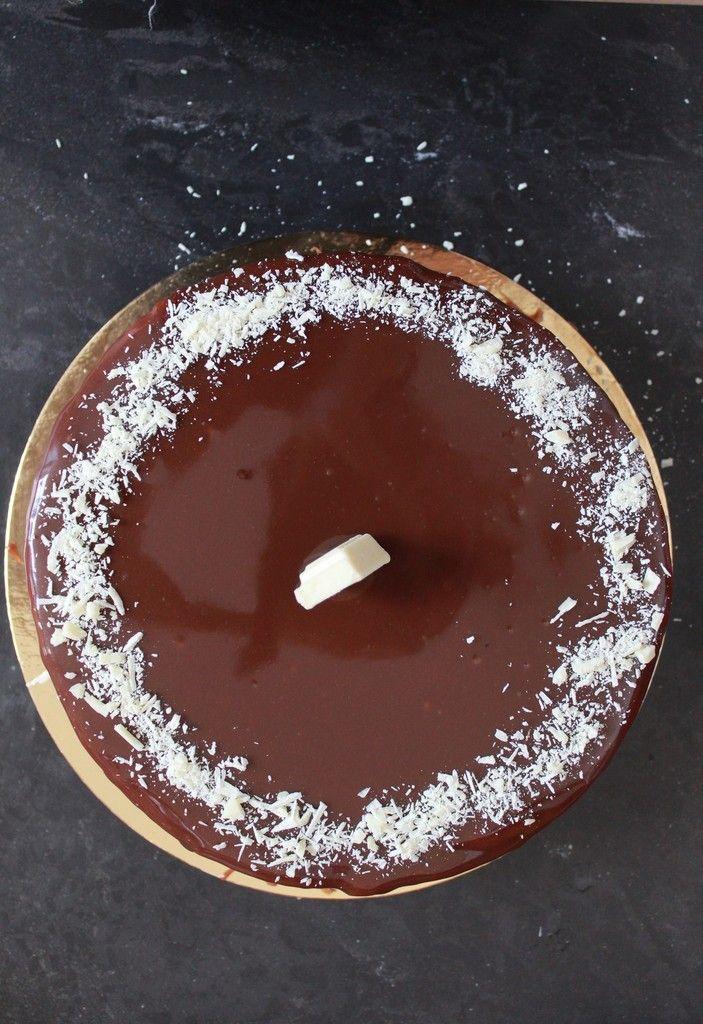 Le Beloha (entremets vanille et chocolat au lait, brownie) de A. Loutsh & J-P Etienvre.
