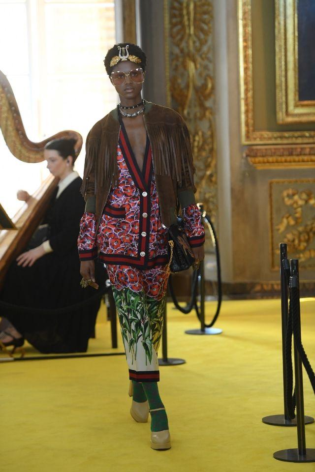 Gucci tiene clara la tendencia a seguir en su nueva colección Crucero 2018. Las perlas son las protagonistas de todas sus apuestas...