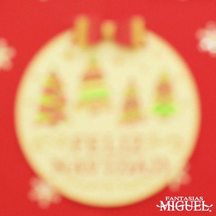¡Decora tu árbol de Navidad y tu hogar con una Mega Esfera de madera! Christmas Time, Christmas Bulbs, Irene, Mexico, Merry, Holiday Decor, Diy, Home Decor, Frases