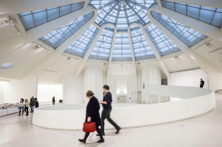 Frank Lloyd Wright, Laurian Ghinitoiu · The Solomon R. Guggenheim Museum