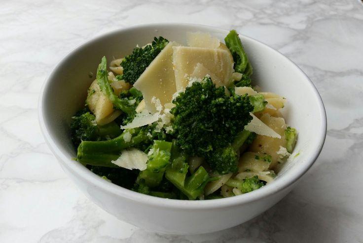¿Les cuesta comer brócoli? A mi sí. Pero hace bien, y mi adulto interno, que es un pesado, me dice que no puedo vivir de galletas y…