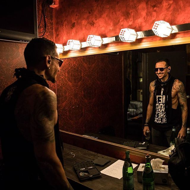 Don't know what it is about this picture! kslp #ChesterBennington