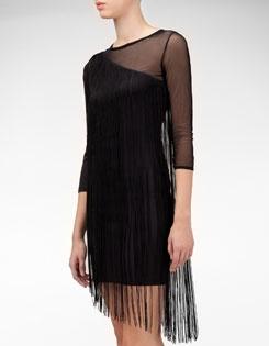 Vestido asimétrico flecos