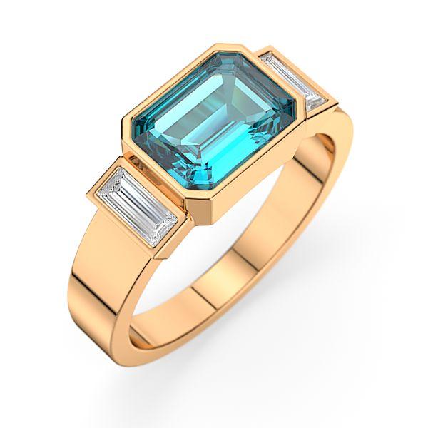 KANAE en or 18 KT ou Platine avec une pierre centrale taille émeraude de 1,70 carats entourée par  2 diamants taille baguettes de 0,12 carat pour un poids total de 0.24 carat qualité G SI1. [1750,00€]