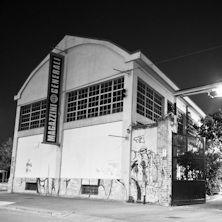 Il locale nasce a Milano nell'autunno del 1995 all'interno di un complesso di magazzini dei primi del '900 serviti e raccordati alle Ferrovie dello Stato. Tra i numerosi spazi presenti in quest'area è stato scelto, per realizzare il locale, un vecchio deposito degli anni '30. Il suo sviluppo è su due piani. Scopri tutti gli eventi in programma e acquista il tuo biglietto!