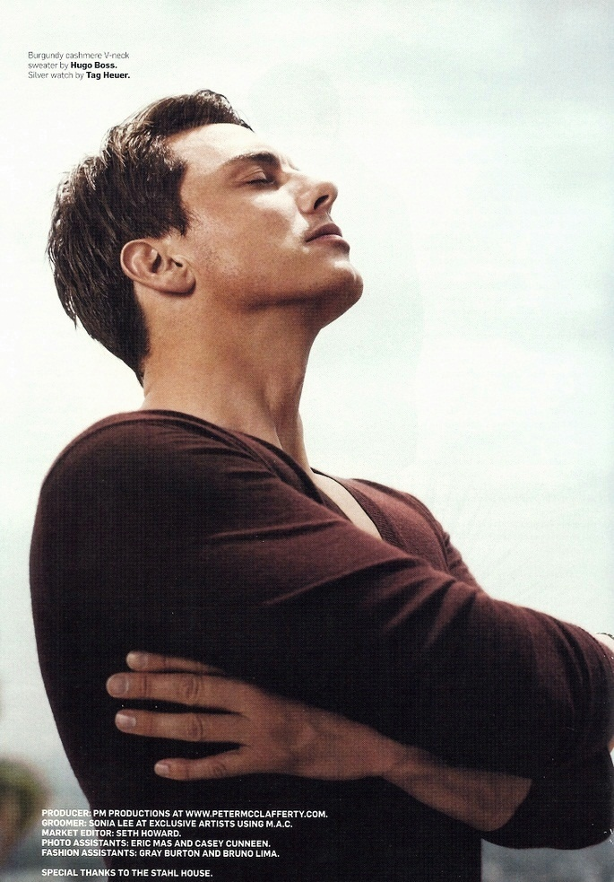 This is a ridiculously sexy picture, John Barrowman. Stop it.