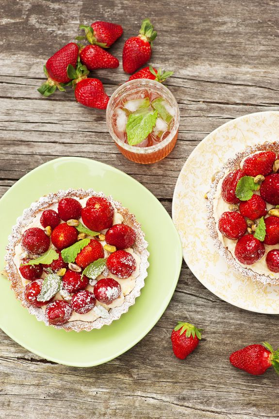 Dreaming of languid summer picnics and sumptuous outdoor feasts? Packing a selection of scrumptious pies and tarts is an excellent plan of attack. Photo Amanda Reelick