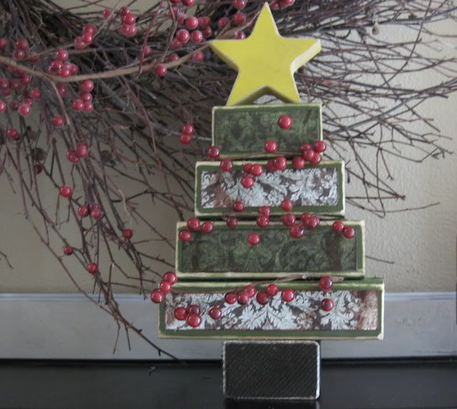 2x4 Christmas Decorations [DIY Christmas Decor] ~ Be Different...Act Normal