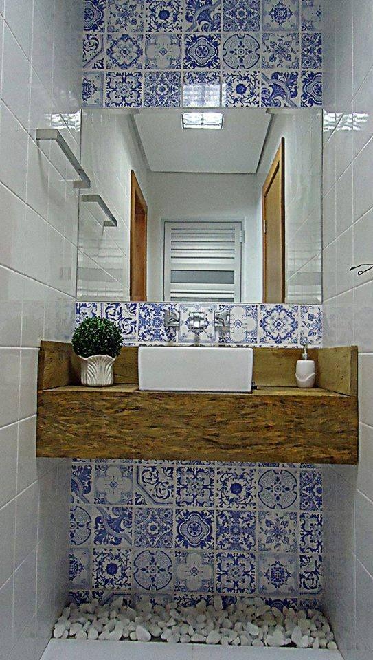 Lavabo aréa externa mais uma vez azulejo português pra dar um Up!!