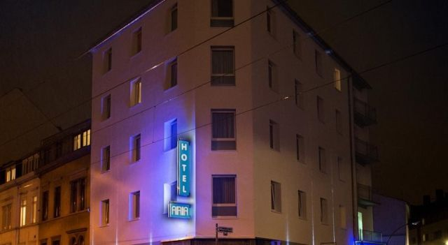 Hotel Aria - 3 Star #Hotel - $52 - #Hotels #Germany #Frankfurt #Nordend http://www.justigo.uk/hotels/germany/frankfurt/nordend/selecthotelaria_209100.html