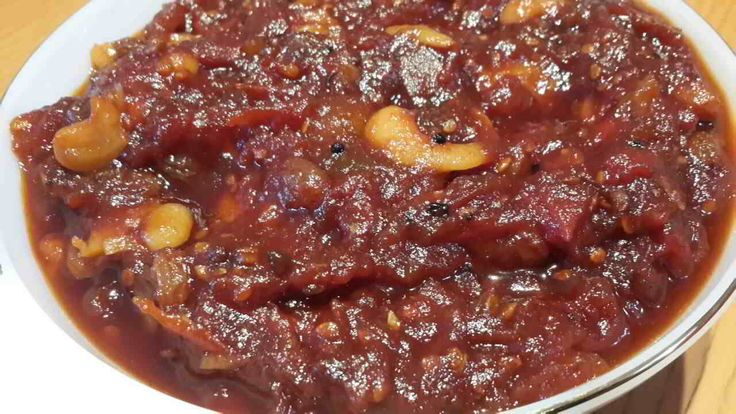 A quick Tomato Chutney Recipe (also called Tamatar ki Chatni) goes specially well with Aloo paratha, Pakodas and Samosa. Enjoy this dish from the East India.