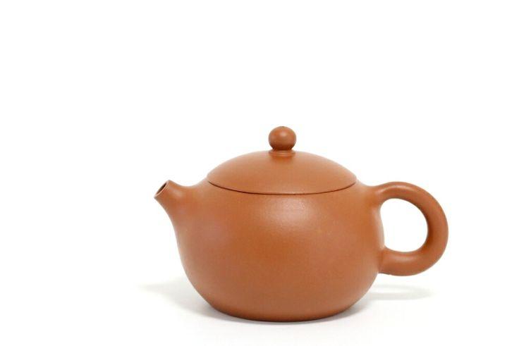 Zhuni Xishi Teapot #xishi #yixing #zisha #yixingzisha #yixingteapot #zishateapot #hanwateapot #zhuni #yixingcrew #kungfuteapot #kungfutea #teatime #tea #china #chinesetea