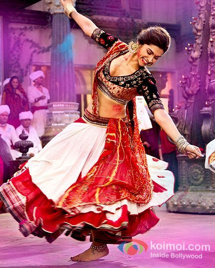 Deepika Padukone In Ramleela Movie Stills- I simply adore this choli - gaggara combination of kutchi style... Deepika looks stunning in them.
