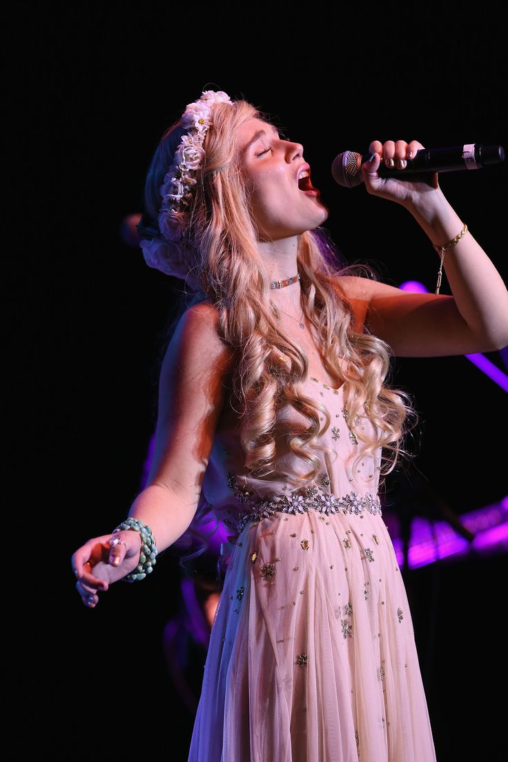 The Touching Reason Clare Bowen Just Cut Off Her Hair Will Make You Cry