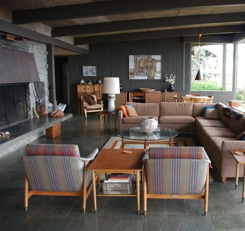 I love this modern 1950's house, with all original furniture and decor.