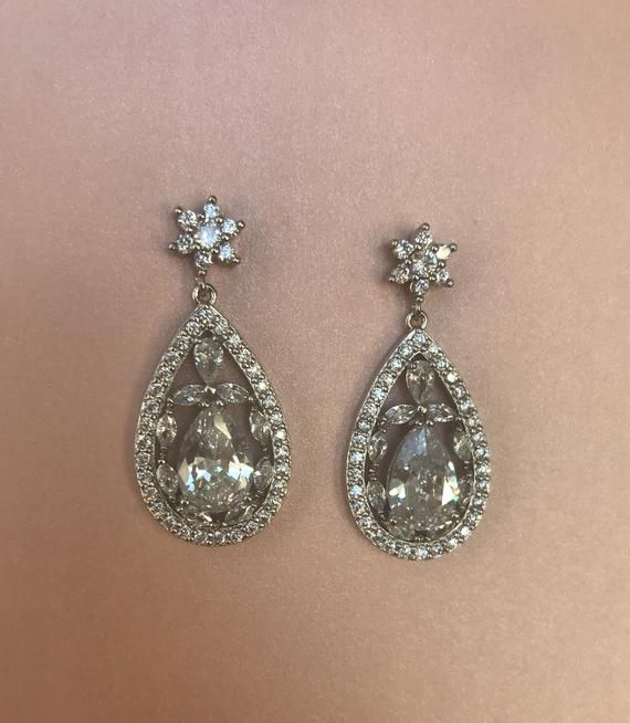 Vintage Wedding Earrings Silver Earrings Flower Bridal Etsy In 2020 Silver Earrings Wedding Crystal Bridal Earrings Silver Flower Earrings