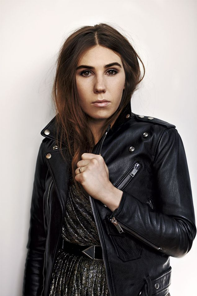 Zosia Mamet's eyebrows are perfection.