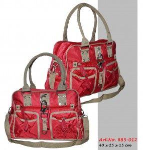 885-012 Handtasche in Rips ähnlichem Nylon (sehr strapazierfähig) in vielen verschiedenen Farben.  #Handtaschen #Bags #Mode #Fashion