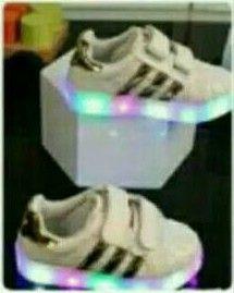 SH69 Sepatu Adidas Anak Lamp Gold Size 21 22 23 24 25 Rp 90.000 (ready)