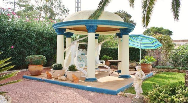 Pavillon einer Luxusvilla mit eigenem Traumpark an Spaniens Ostküste. Weitere Wohnhighlights in Spanien finden Sie unter: http://www.ott-kapitalanlagen.de/immobilien-spanien.html