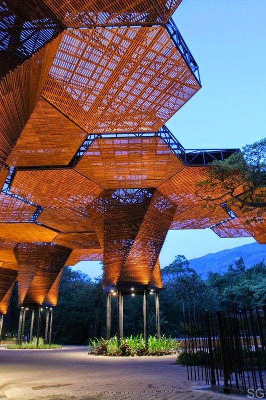 Un peu de design colombien:Travels Spot: Botanical Gardens, Medellin, Colombia