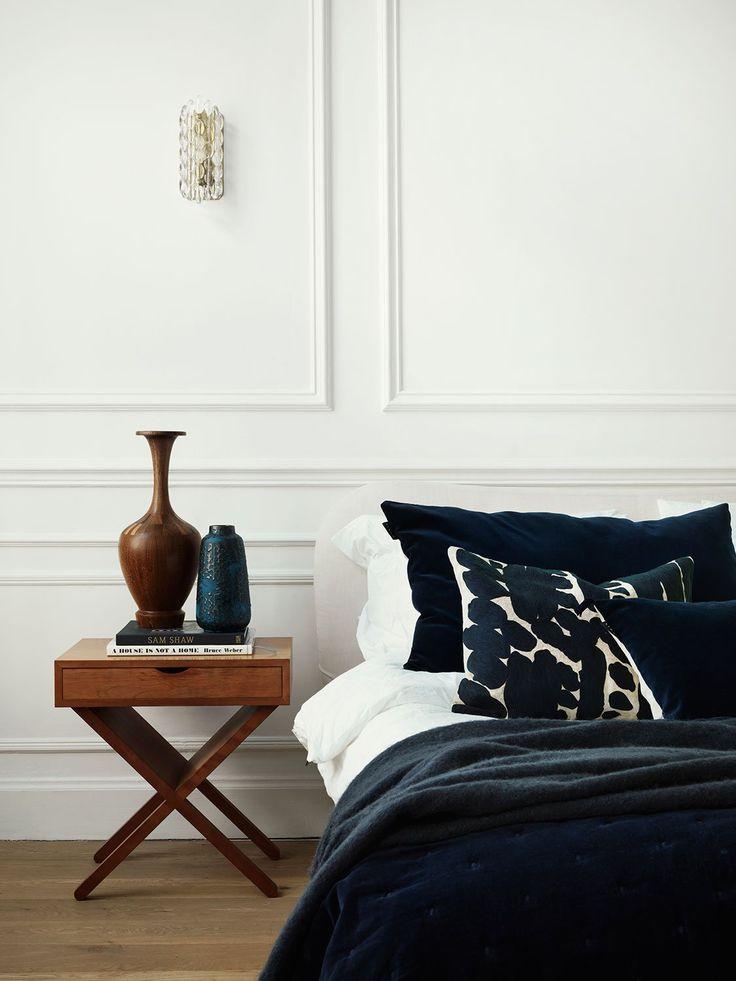 Paolo Bedspread, överkast från Linum. Med Paolo skapar du en nästintill kunglig känsla i sovrummet. Det vackra överkastet är i sammetslen bomullsvelour och mäter 170x260. Matcha gärna ditt Paolo överkast med Paolo kuddfodral.