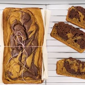 Gluten Free Brown Butter Pumpkin Bread with Chocolate Swirl on @the_feedfeed https://thefeedfeed.com/video/marbled-pumpkin-bread