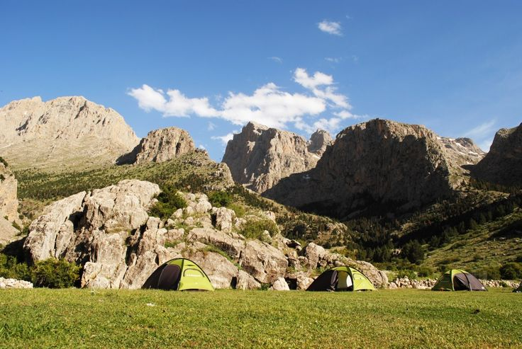 Summer camping in the Aladaglar National Park in Central-Turkey (Emli camp at 1800 m) with Demavend Travel.