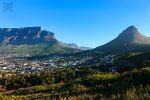 warten auf das Beast … in Südafrika - https://mybeastgoeseast.wordpress.com/2016/06/11/warten-auf-das-beast-in-suedafrika/ - Wir sind in Kapstadt gelandet, jedoch fühlen wir uns noch nicht, als ob wir in Afrika angekommen wären. Die Stadt ist sehr geschäftig, es leben viele Weiße hier und man kann alles kaufen. Die Straßen sind sehr gut und selbst das Wetter empfinden wir alles andere als afrikanisch. Nach der Hitze und der hohen Luftfeuchtigkeit