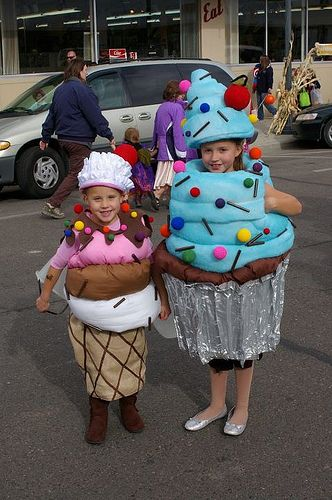 look at these super cute cupcake costumes!