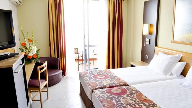 Habitación doble del #hotel Catalonia Oro Negro en #tenerife http://www.hoteles-catalonia.com/es/nuestros_hoteles/europa/espanya/canarias/tenerife/hotel_catalonia_oro_negro/index.jsp