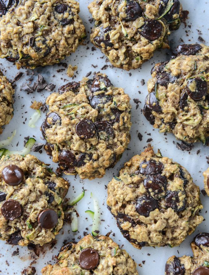 chewy oatmeal zucchini chocolate chip cookies I howsweeteats.com