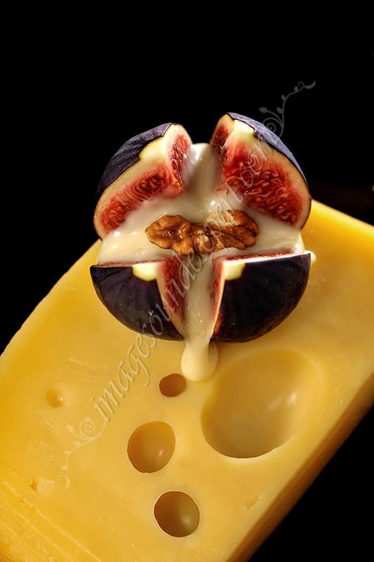 Fotografie produs - fructe de toamna / Product Photo - fruit of autumn / Product Photo - Obst im Herbst / Photo du produit - fruit de l'automne  (smochine, cascaval, nuci, figs, cheese, nuts, feigen, kase, nusse, figues, fromage, noix)