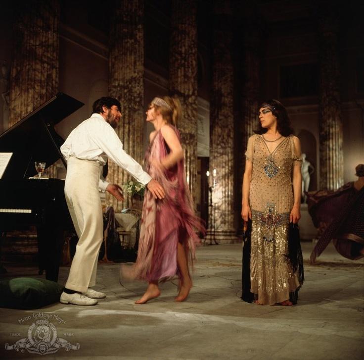 Still of Alan Bates, Eleanor Bron and Jennie Linden in Women in Love