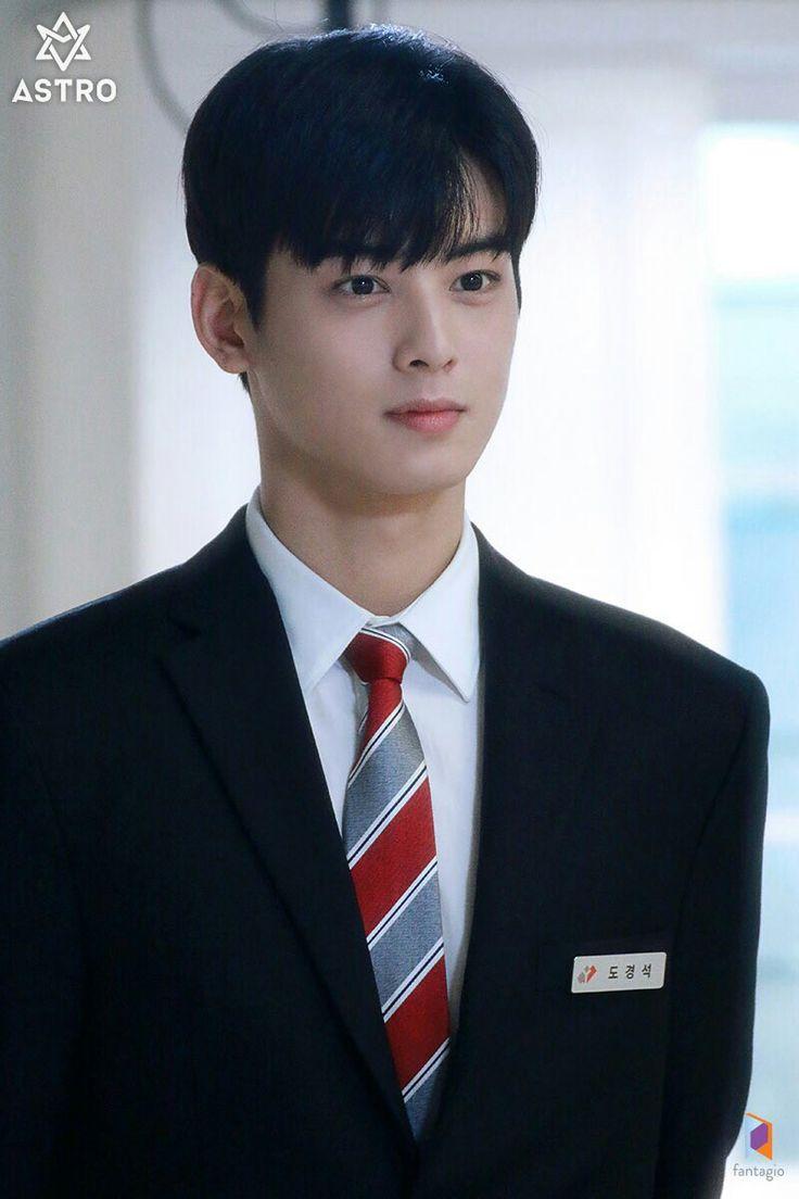 Pin oleh UU~~~ di KOREA   Aktor, Gaya rambut anak laki ...