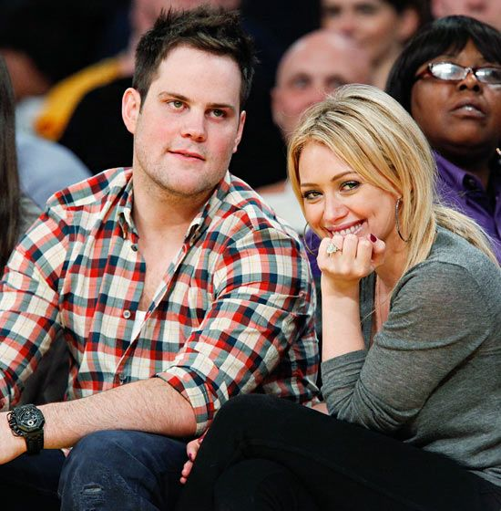 Hilary Duff's stunning ring from hockey player Mike Comrie features a humungous 14-carat radiant-cut diamond worth an estimated 1 million dollars.