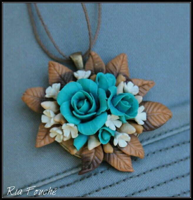 Rose bouqet pendant in turquoise, white and browns