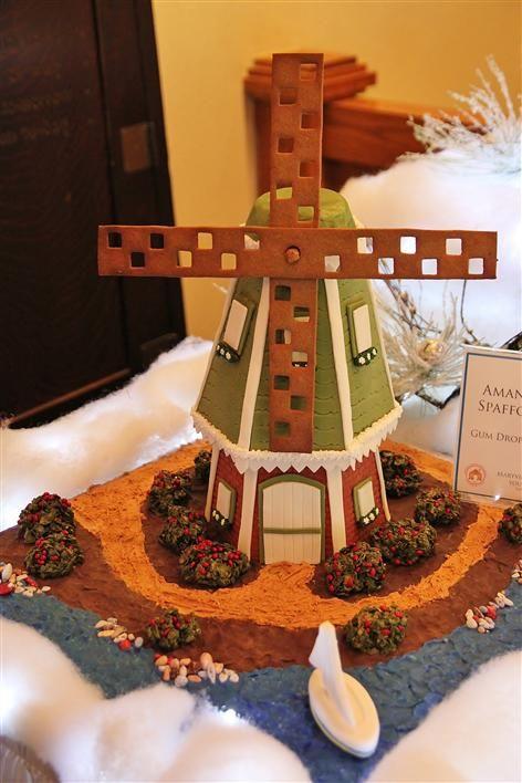 Gingerbread Houses: Grove Park Inn 2012
