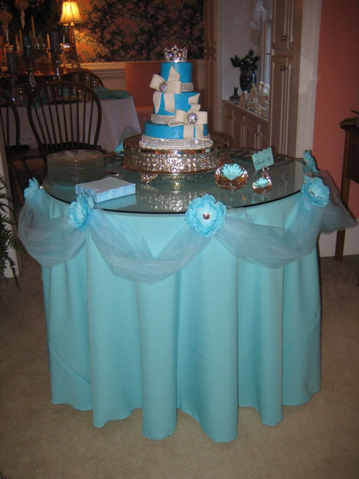 """My granddaughter's Sweet 16 """"Breakfast at Tiffany's"""" cake"""