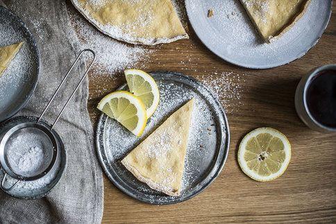 Na sezonu čerstvého ovoce ještě chvilku budete muset počkat. Upečte si zatím třeba tento citronový koláč!