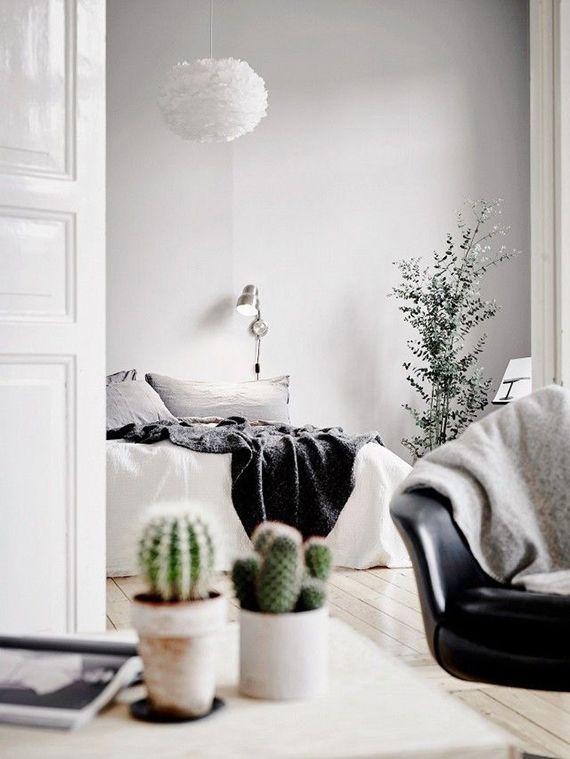 Cozy scandinavian bedroom. Image by Anders Bergstedt