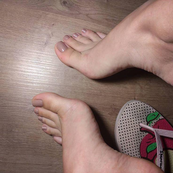 "567 Likes, 19 Comments - 🇧🇷 Cali Feet (@cali_feet) on Instagram: ""#pes #pesinhos #feet #instafeet #foot #instafoot #cute #love #feetlover #pesdelicados #brazil…"""