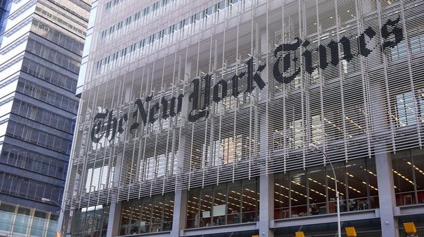 In The New York Times's new live news feed, tweets and updates from official sources trump those from ordinary people.