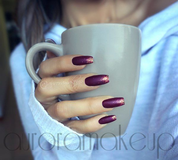 Burgundy nails with glitter