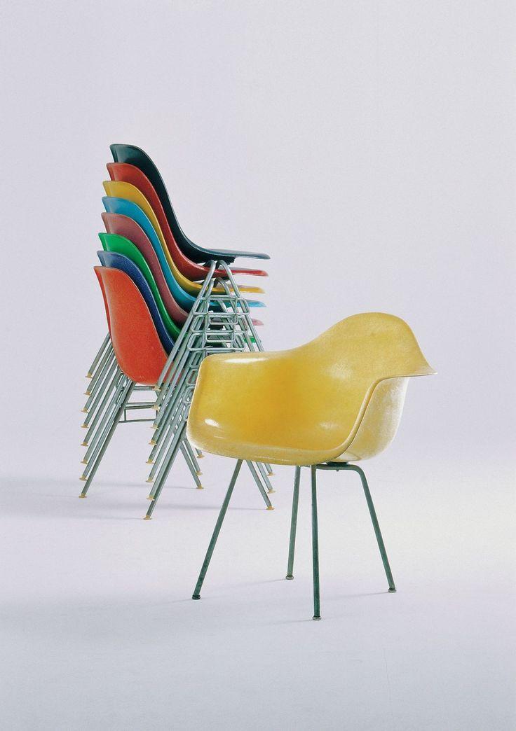 Best 25 Plastic chairs ideas on Pinterest Outdoor plastic